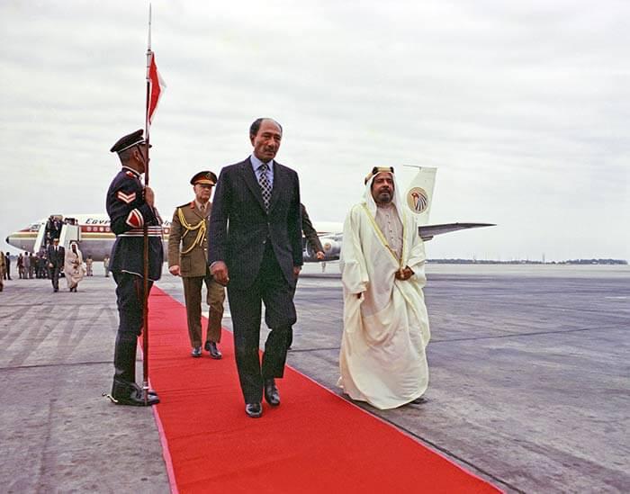 HH Shaikh Isa bin Salman Al Khalifa receives Egyptian President Anwar Al Sadat
